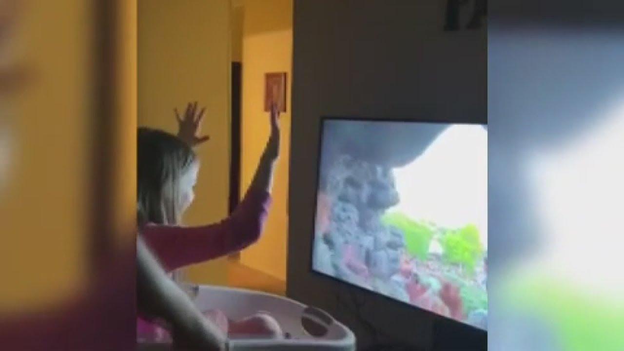 Download Local dad takes daughter on Walt Disney World 'ride'