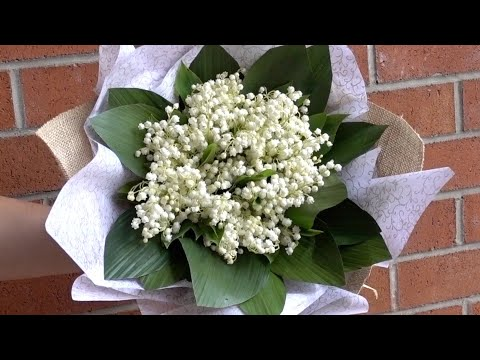lilies-of-the-valley-hand-tied-bouquet-diy-tutorial