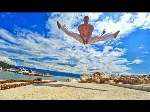 Capoeira We Wrocławiu - Capoeira Solo - Acrobatic Movements -Professor Fungui - ICR