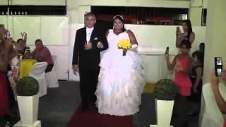 Así es como un DJ arruina una boda en Brasil