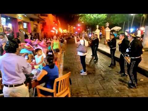 Mérida, Yucatán, Mexico - Christmas Eve street party / Fiesta de Nochebuena, 2015