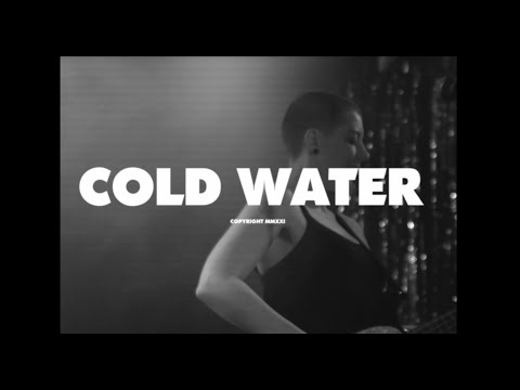Moaning Lisa - Cold Water (Official Lyric Video)