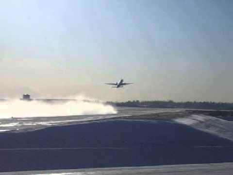 Departure of brand new Qatar Airways Boeing 777-300 at Boeing Everett Factory