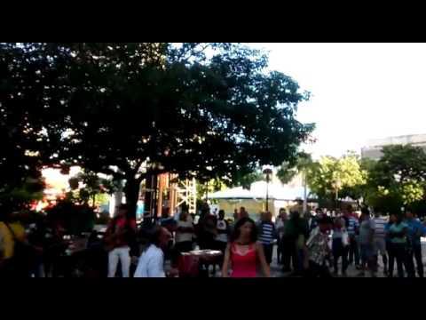 MAYA E LOS MUCHACHOS-CD SO GUITARRADAS NA PRAÇA DO FERREIRA 2016