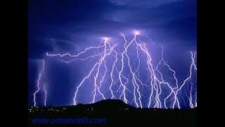 Fulmine Saetta Folgore / lightning / relámpago