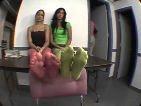 teen Nylon soles feet