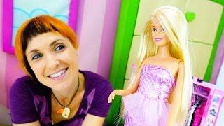 Видео для детей - Веселая Школа Капуки NEW. Игры ОДЕВАЛКИ для девочек с БАРБИ подбираем обувь