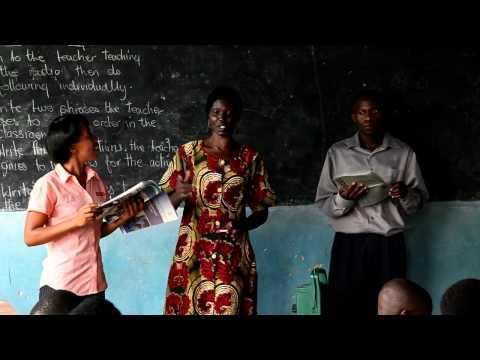 Wind-up radios help English teachers in Rwanda