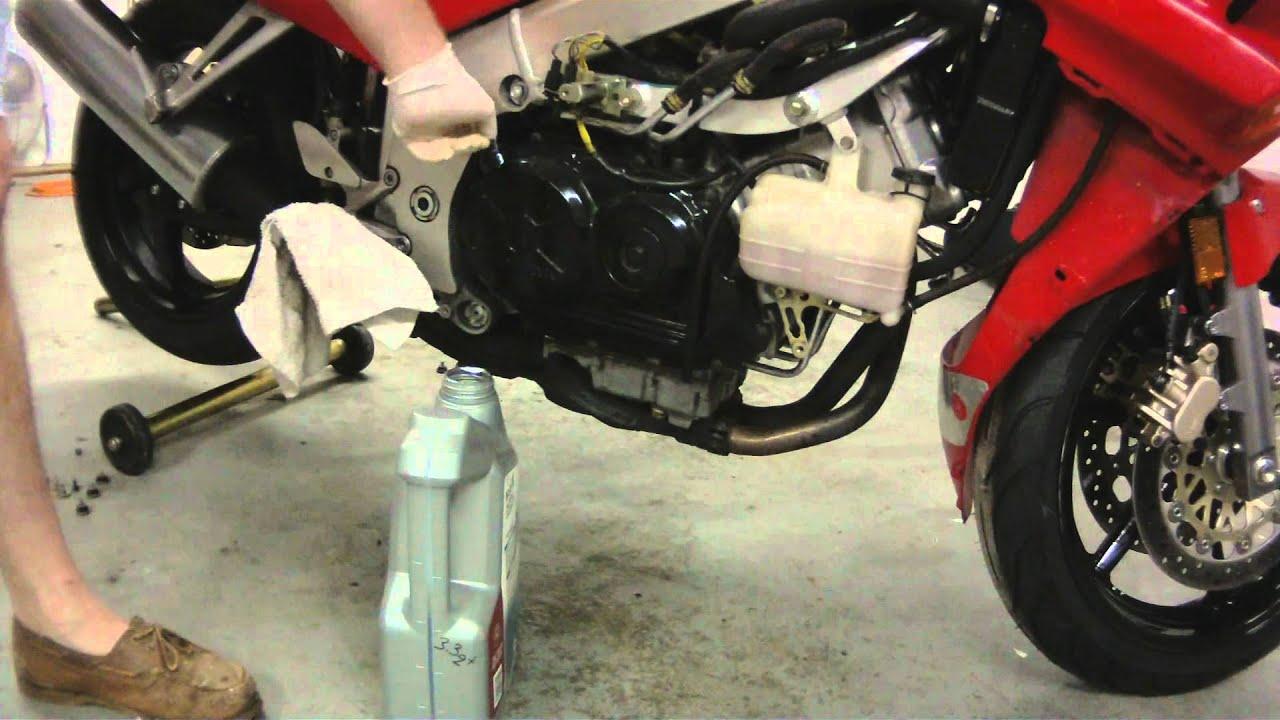 Honda VFR750 Oil Change - YouTube