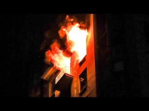**Pre-Arrival INFERNO** Heavy Fire out the 9th Floor Windows [ Manhattan 10-77 Box 877 ]