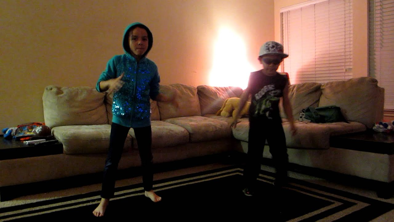 thrift shop-macklemore (cover) dancing little kids - YouTube