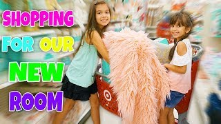 SHOPPING FOR OUR NEW BEDROOM - WE ARE MOVING! Room Makeover!