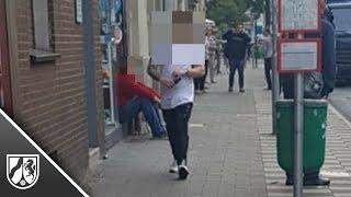 Messerangriff in Düsseldorf: Mann greift Frau in Straßenbahn mit Messer an