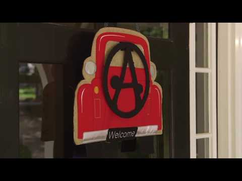 Red Truck Door Decor (2DHB1433) with Pin-On Monogram