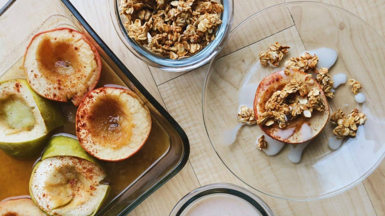 Baked Chai Apples + Oat Crumble  • VEGAN Thanksgiving Recipe