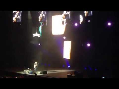 Ed Sheeran - Lego House (Live X Tour Melbourne Concert 2015)