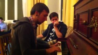 Уроки игры на пианино от Макса +100500