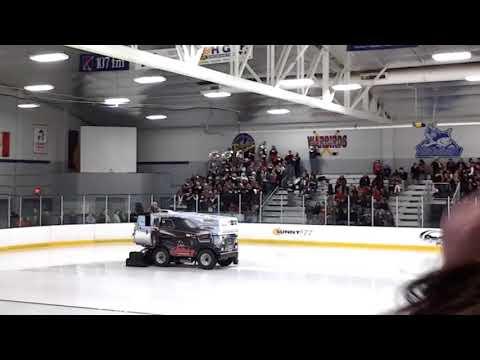 Fond du Lac High School Pep Band (December 21, 2013)