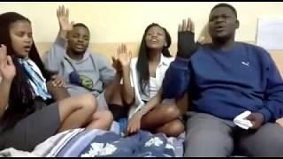 Gambar cover Siyakudumisa Thixo (Umbedesho)