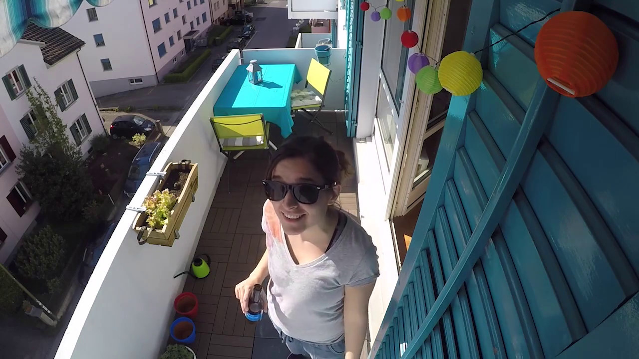 Bodenplatten Auf Dem Balkon Verlegen Jumbo Kundin Zeigt Wie S Geht