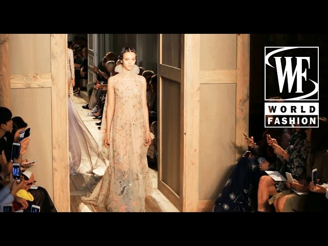Valentino Fall/Winter 16-17 Paris Couture & Haute Couture Week