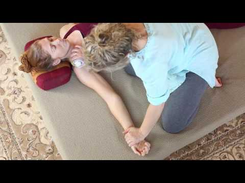 Nerve Touch Thai Massage 'Jap Sen' by Master Healer Lek Chaiya