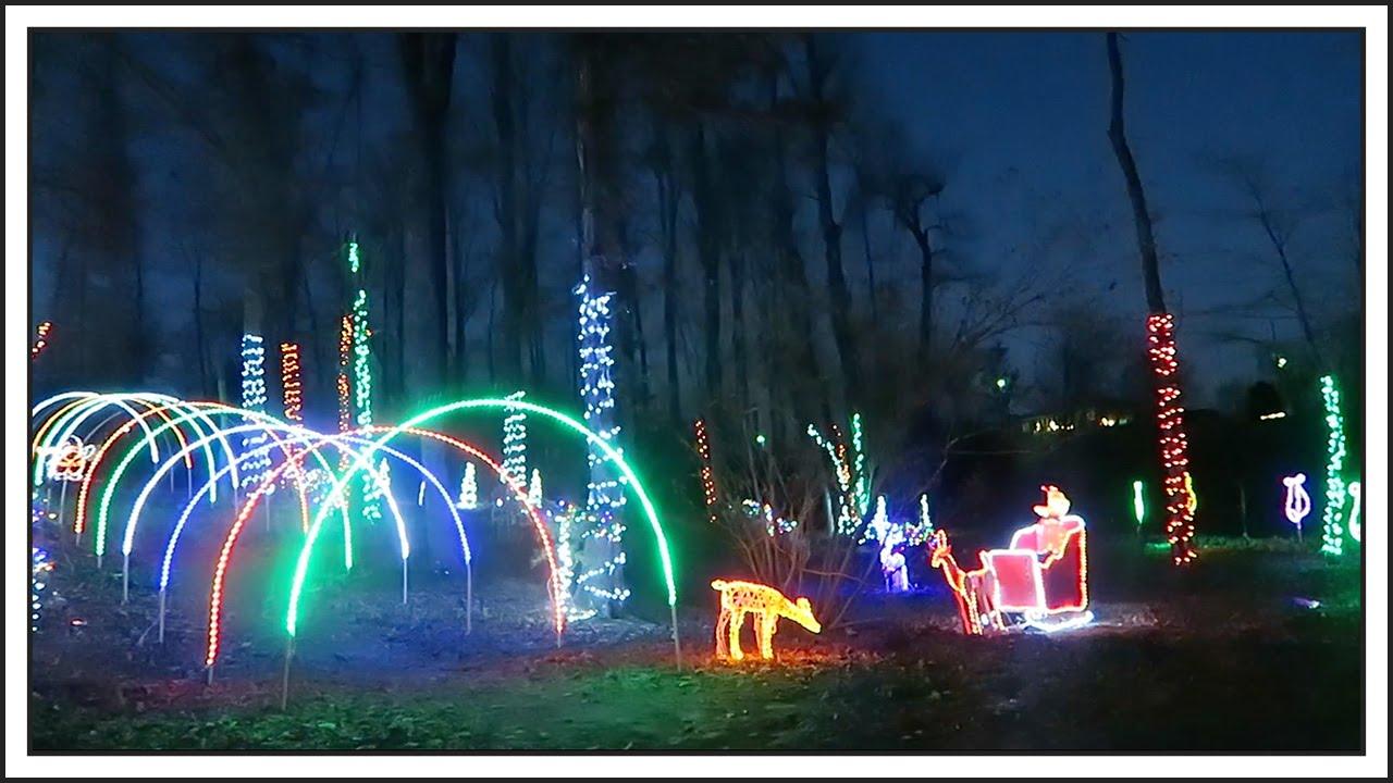 SYNCHRONIZED CHRISTMAS LIGHTS DISPLAY - YouTube