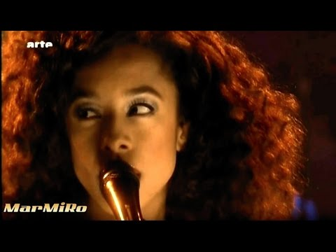 CORINNE BAILEY RAE Closer ! - live - 2010 - Music  Video
