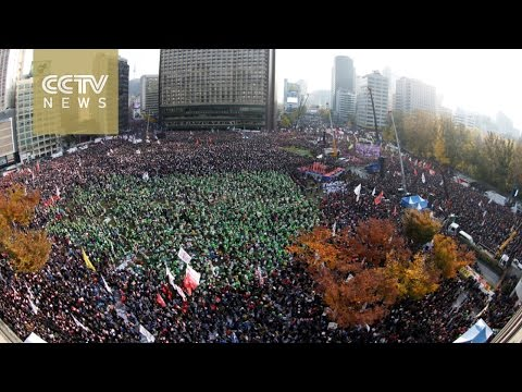 Massive protest demanding the resignation of Park Geun-hye over influence-peddling scandal