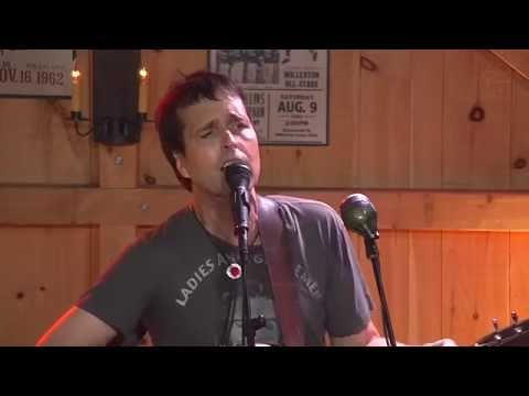 "Chuck Prophet ""You Did"" - Live at Daryl's House Club"