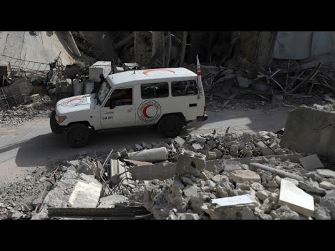 Syria: UN first aid convoy enters Eastern Ghouta for the first time in weeks