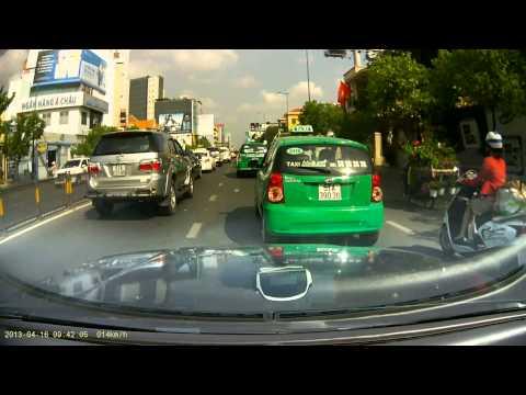 Văn hóa lái xe taxi Mai Linh thế này đây sao?