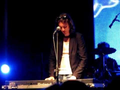 Manchester - Telefony (live Toruńskie Gwiazdy 22.07.2011)