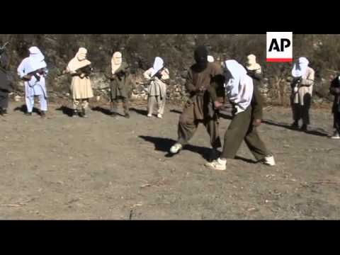Rare access to Taliban fighters on Pakistan border