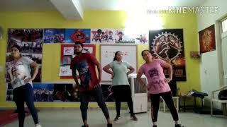 Bhangra on yaar berozgaar (dance class in my studio)