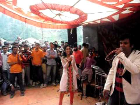 Pammi Live Kuldeep Sharma Nati King  and Ms Kritika Dance With Public Song UBE LALIYE HO At Chaupal, Shimla