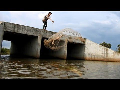 Khmer Girl Fishing At Siem Reap Cambodia