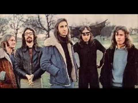 Genesis - The Carpet Crawlers [studio version] mp3
