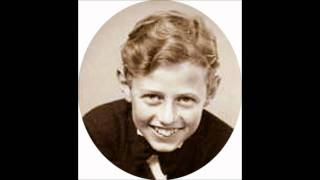 Preben Torntoft (boy soprano) singing A Perfect day.wmv