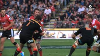 El mejor tackle... a Richie McCaw (best tackle ever, Richie McCaw recives)