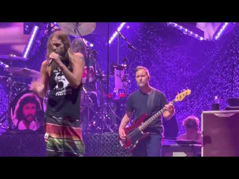 Foo Fighters Somebody to Love (Queen Cover) (Taylor on Vocals, Dave on Drums) Live MSG NYC 6/20/21