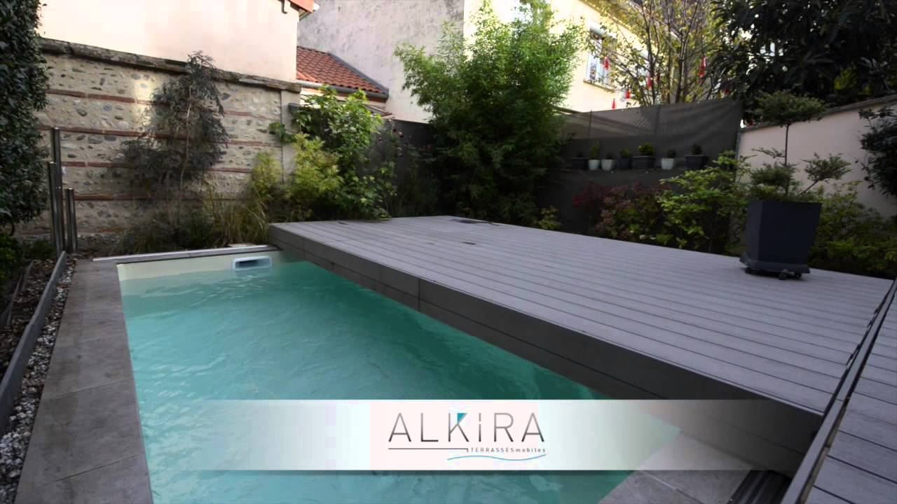 Terrasse mobile pour piscine alkira youtube for Terrasse coulissante piscine
