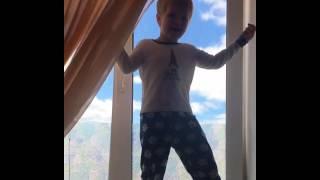 Евгения Гусева - Мама нашла старенькое видео, это мы в гостях были  Смотрите DANIELGUSEV