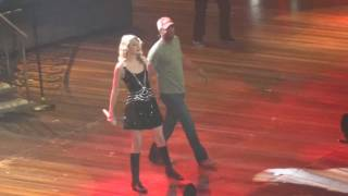 Taylor Swift and Darius Rucker- Alright Columbia SC 11-18-11