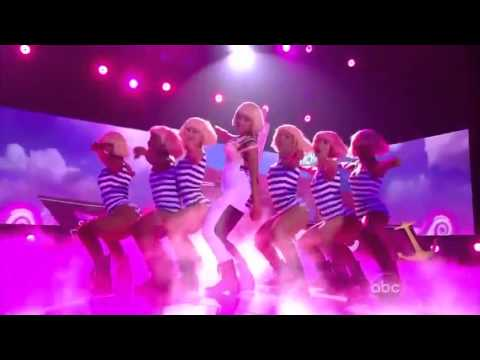 Nicki Minaj  Britney Spears   Super Bass  Till The World Ends Live Billboard Music Awards 2011