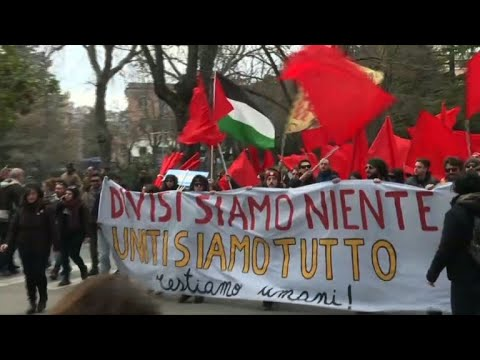 Italy: Anti-fascist protest after attack on six migrants
