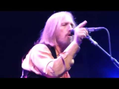 Tom Petty - I'm Not Your Steppin' Stone - Live - SAP Center, San Jose 10/05/2014