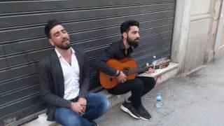 Koma candar   Taksim istiklalde Kürtçe (Veylo) Yare Yare Ez helandim  .Bejna zirav