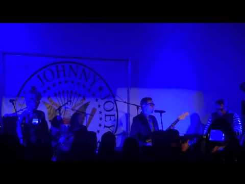 Fred Armisen, Steve Jones, Duff McKagan - Danny Says, Hollywood Forever Cemetery 08-24-2014