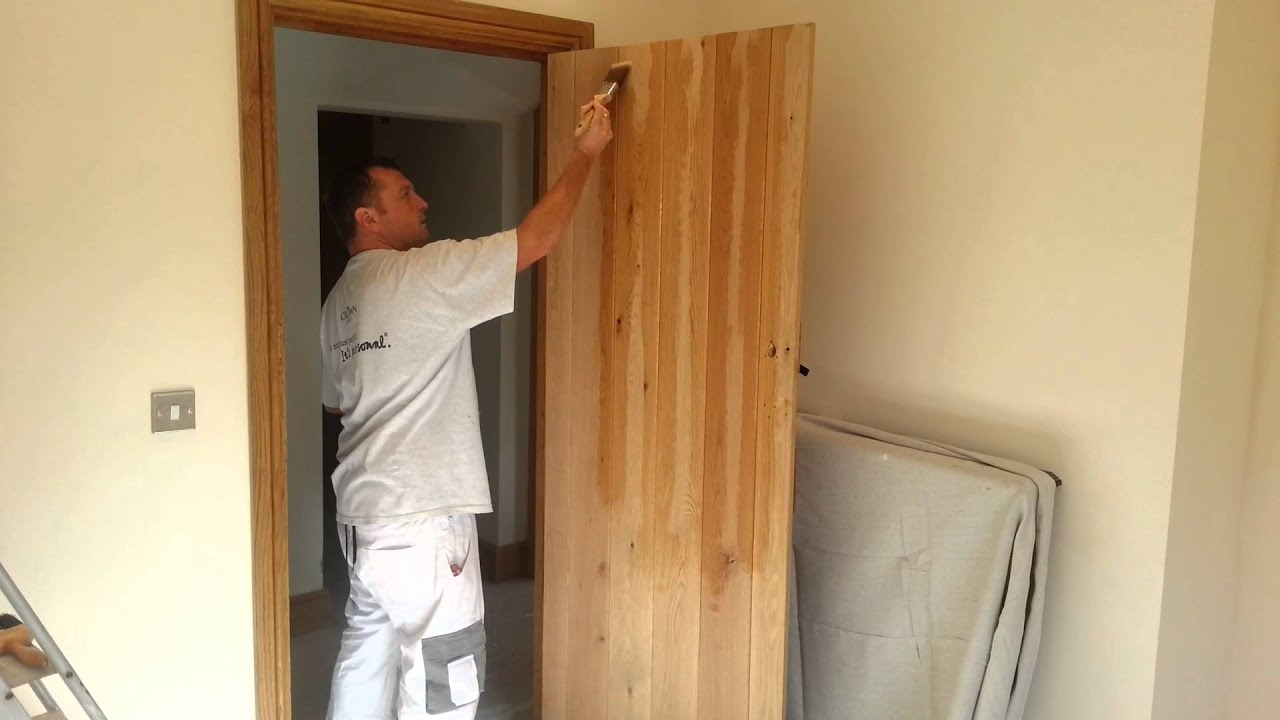 A pro guide on how to apply Osmo Oil to interior oak doors - Painting tutorial / demonstration - YouTube & A pro guide on how to apply Osmo Oil to interior oak doors ...